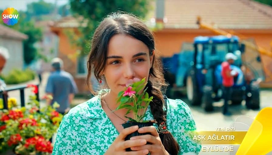 Aşk Ağlatır Ada rolü Hafsanur Sancaktutan