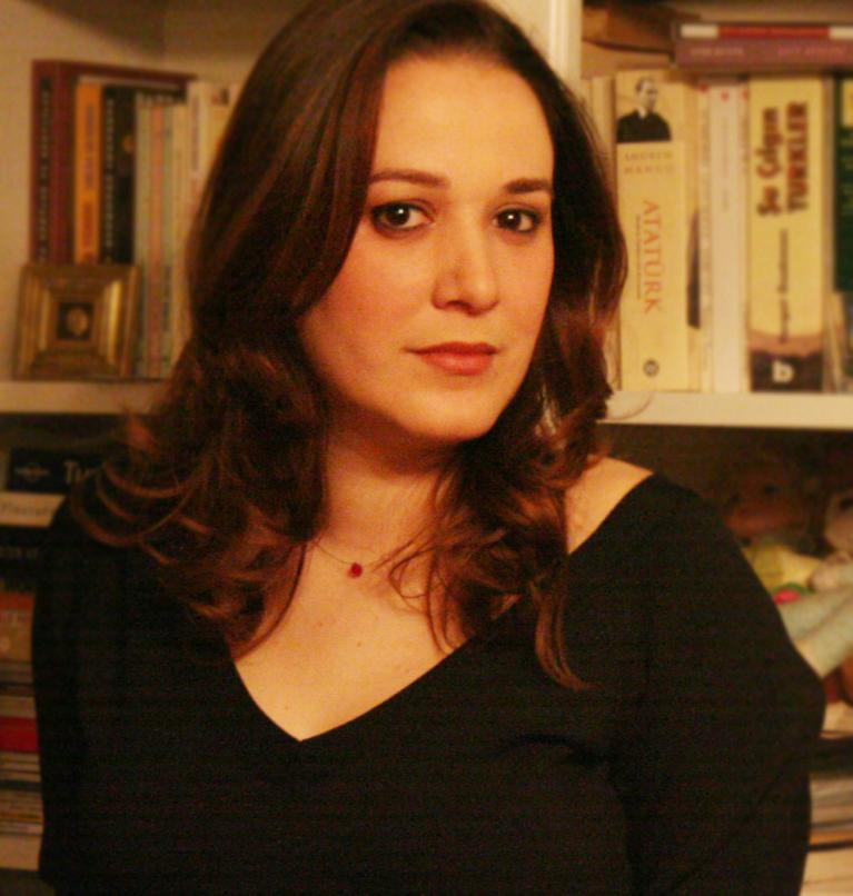 Elif Çakman kimdir zümrüdüanka dizisi
