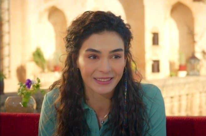 Şuursuz Aşk filmi Ebru Şahin (Menekşe Karakteri)