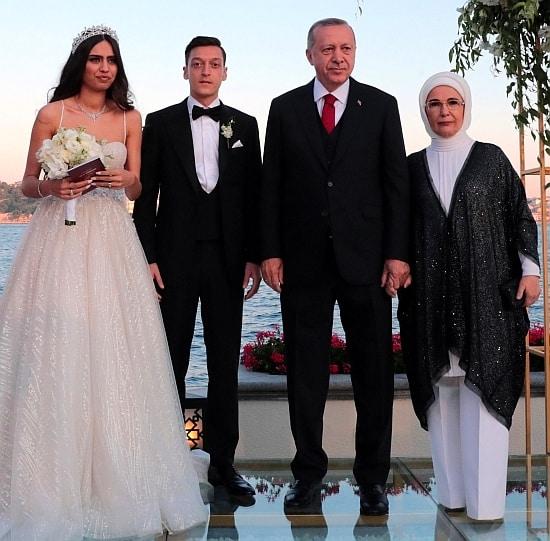 Amine Gülşe ve Mesut Özil Cumhurbaşkanı Erdoğanın nikah şahitliği ile evlendi