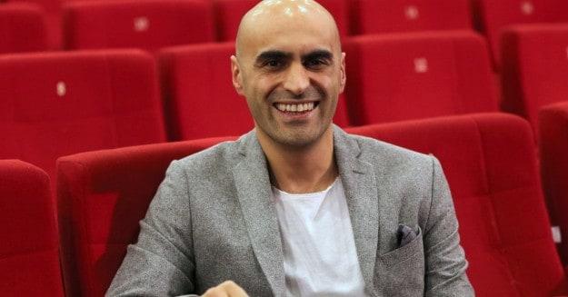 Mahalleden Arkadaşlar Aydemir'in babası rolünü Alper Kul