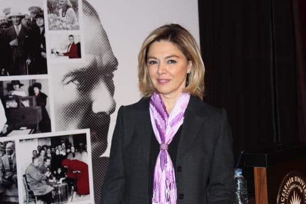 Prof. Dr. İpek Altınbaşak Farina Bahçeşehir Üniversitesinde dekanlık yapıyor