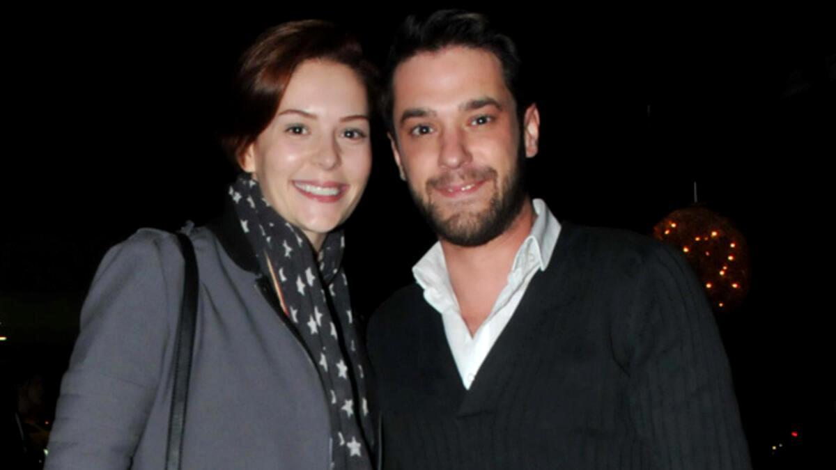 Yıldız Çağrı Atiksoy ve sevgilisi Hasan Canadiker, Karaköy'de