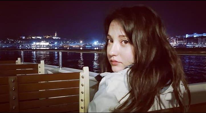 Deniz Altan Aşk Ağlatır Çiçek rolünde