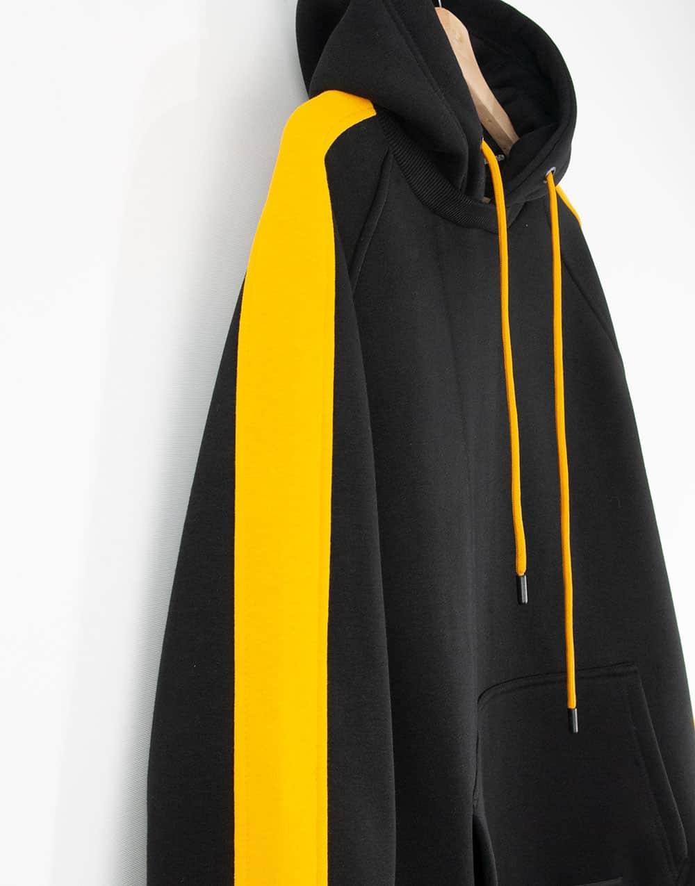 Kuzeyin giydiği sarı siyah Yanları Şeritli Oversize Erkek Kapşonlu Hoodie