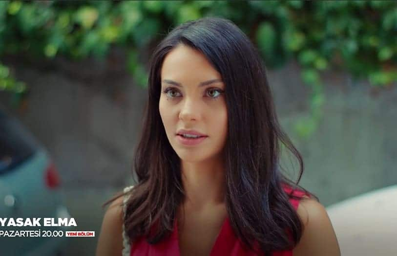Yasak Elma Sibel Leylanın ev arkadaşı rolündeki kız