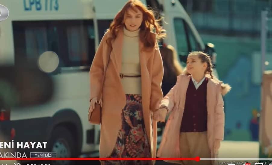 Yeni Hayat dizisi oyuncularının giyikleri kaban etek küpe marka modeli