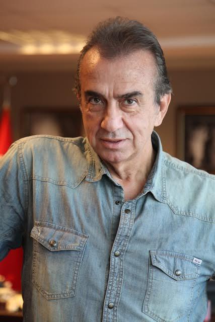 Erhan Yazıcıoğlu Çatı Katı Aşk dizisinde Asaf rolünde