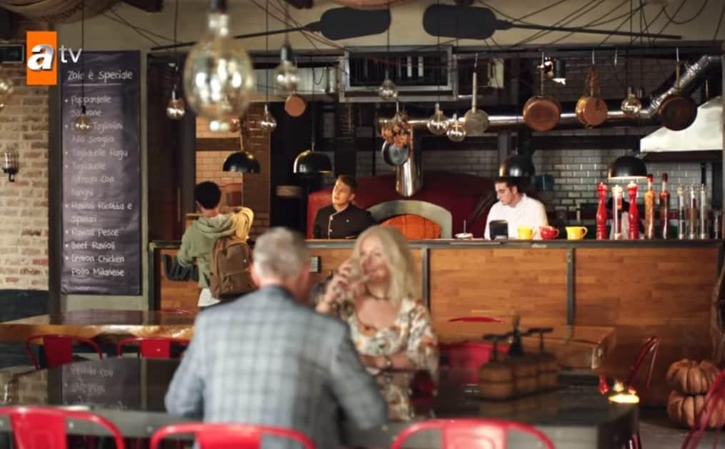Gençliğim Eyvah nerede hangi kafede çekildi