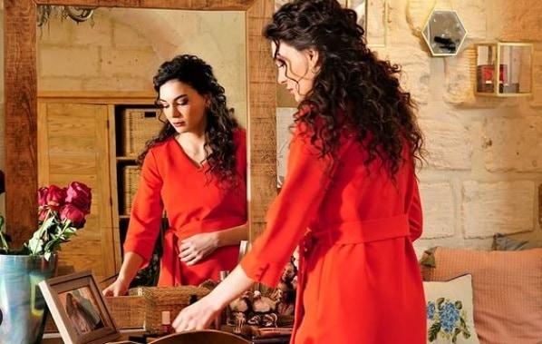 14 Şubat Hercai dizisi 59. bölüm Reyyan'ın kırmızı elbisesi
