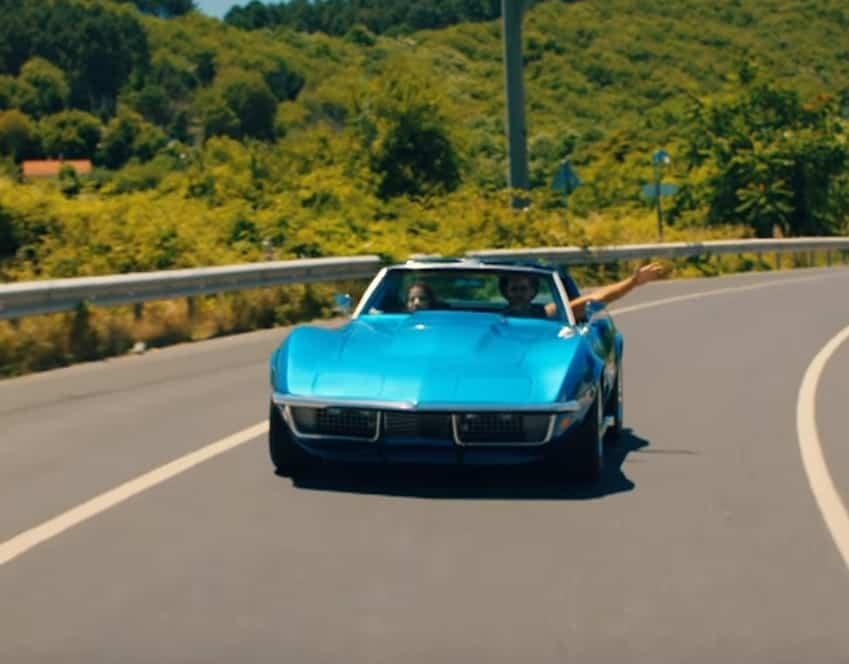 Bay Yanlış dizisi 2. bölüm araba mavi spor