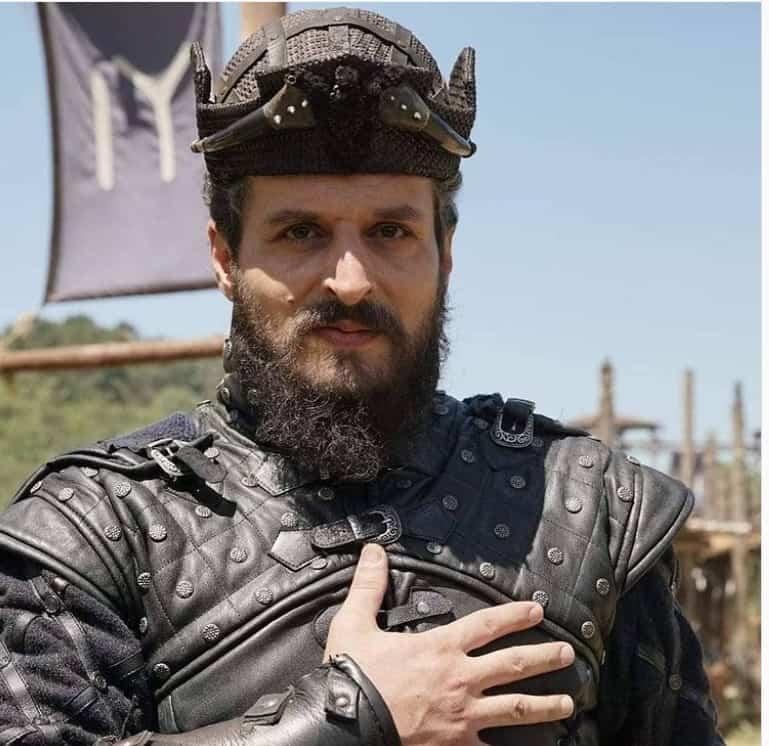 Tozkoparan iskender dizisi latif koru sultan 2. bayezid