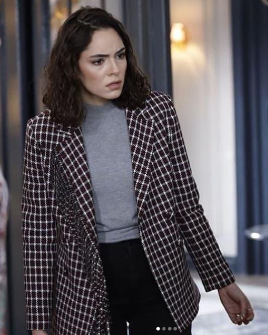 11 Mart Akrep dizisi Duru'nun giydiği ceketi