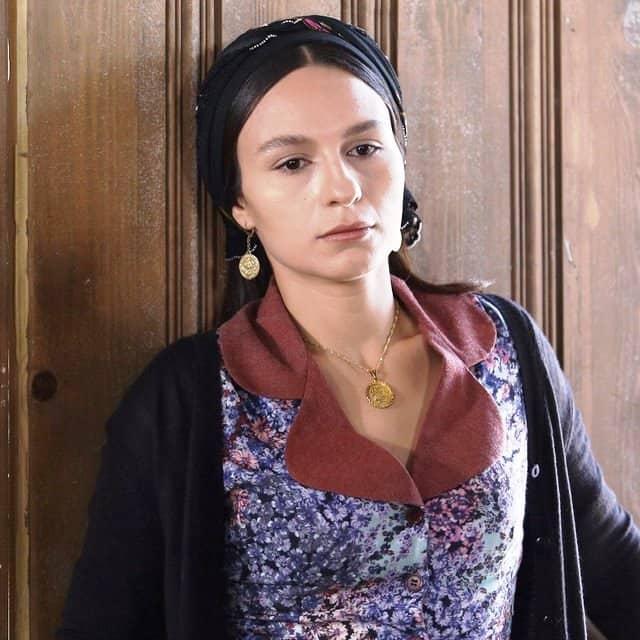 Bir Zamanlar Çukurova oyuncu kadrosu Selin Yeninci-Saniye