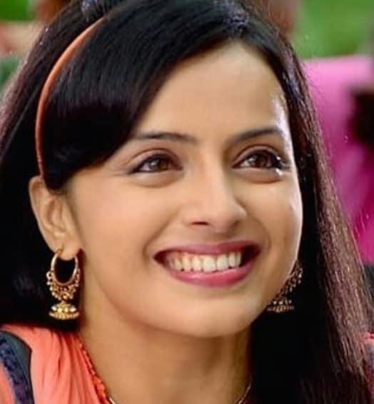 Tatlı Bela Aastha Shlok Agnihotri (Shrenu Parikh)