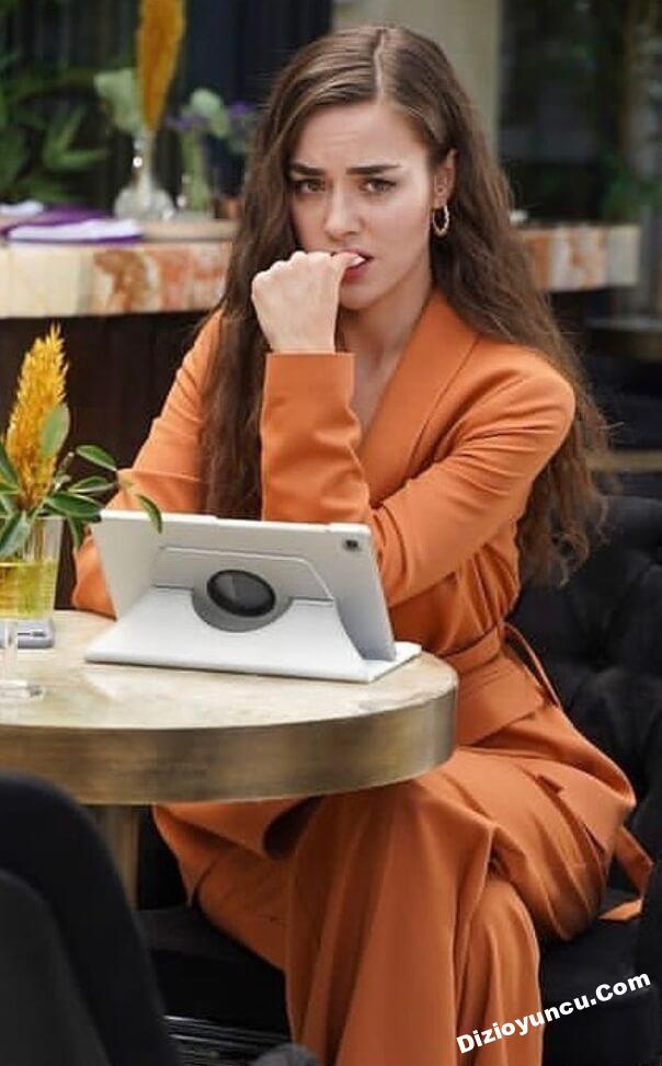 Cam tavanlar dizisi Leyla'nin turuncu takimi