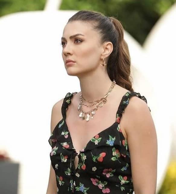 Aşk Mantık İntikam Esranın giydiği çiçekli elbise nereden