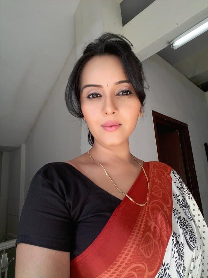Sensiz Olmaz dizisi oyuncusu Geetanjali Mishra- Maithili Ranawat