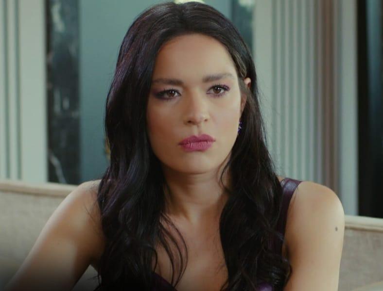 Yasak Elma Zehra neden diziden çıktı ayrıldı