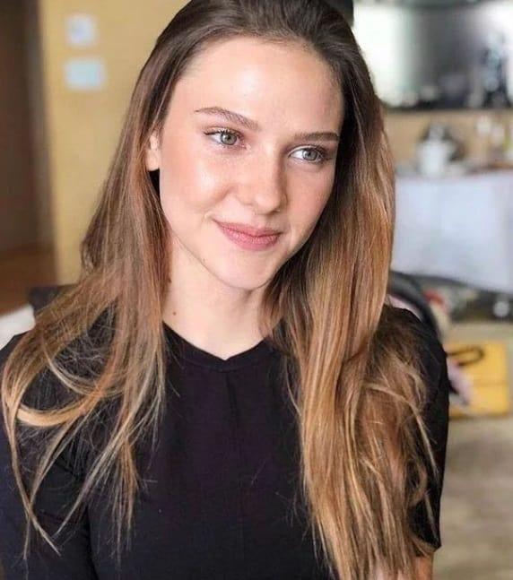 Alina Boz Bandırma Füze Kulübü Filmi kadın başrolü